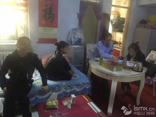 """渑池法院:上门开庭""""小餐桌""""旁调纠纷"""