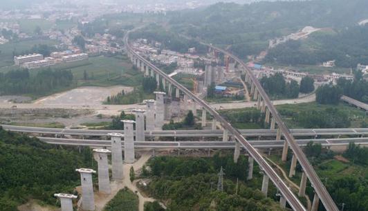 卢氏县重点项目建设完成投资近百亿元