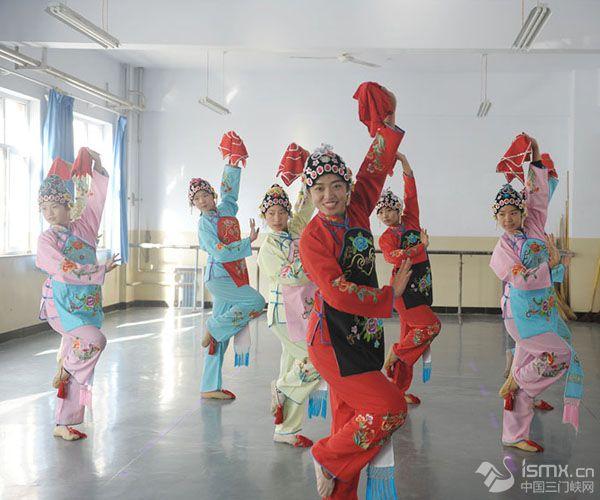学习戏曲表演 传承民族文化