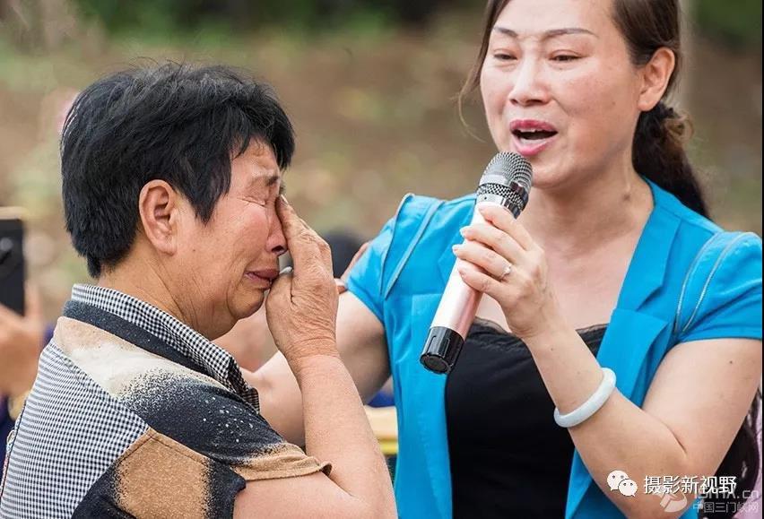 灵宝文艺小分队,不搭台、不化妆,用真情唱哭很多人