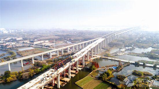 商合杭铁路芜湖长江公铁大桥公路主线桥全面贯通