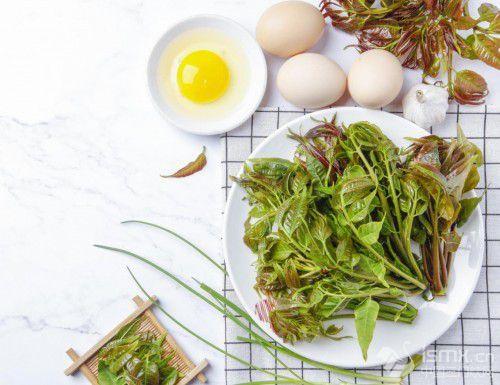 日常吃什�N�οリP�有好�?�@三�(lei)食(shi)物和氨糖�骨素