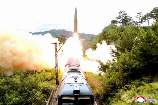 朝鲜成功试射铁路机动导弹