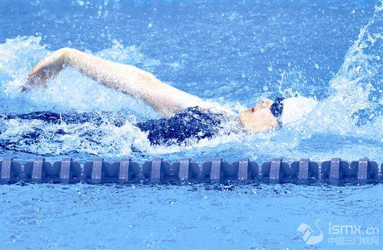 残运会女子100米仰泳S8级决赛陕西选手夺冠