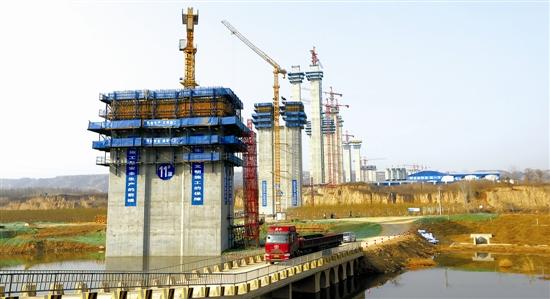 弘农涧河特大桥工程进展顺利